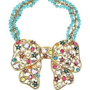Betsey bow necklace